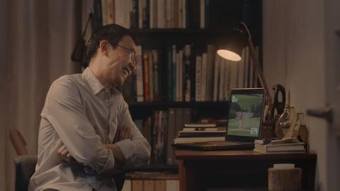 パパさんは自分の部屋でゴルフの研究|nasne新CM
