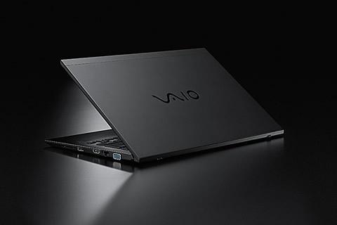 2018-01-18_vaio-s11-13-all-black-edition-02.jpg