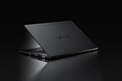 2018-01-18_vaio-s11-13-all-black-edition-03.jpg
