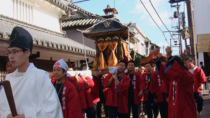 10月27日(土)は地方祭のためお休みさせていただきます
