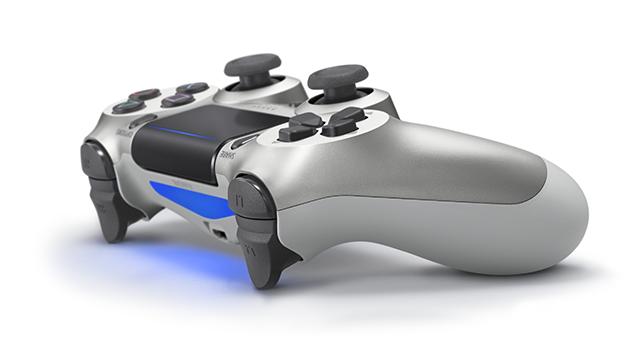 PS4コントローラー再販「シルバー」側面